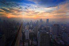 Tempo do por do sol do edifício da vista superior Imagens de Stock Royalty Free