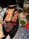 Tempo do sushi - barco do sushi imagens de stock royalty free