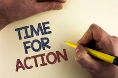 Tempo do texto da escrita da palavra para a ação O conceito do negócio para faz algo agora para um ato particular da finalidade n Imagens de Stock