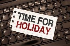 Tempo do texto da escrita da palavra para o feriado Conceito do negócio para dizer a alguém esse este momento para a praia de des imagem de stock