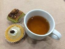 Tempo e sobremesa do chá Foto de Stock Royalty Free