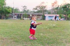 Tempo felice con le bolle Fotografia Stock Libera da Diritti