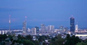 Tempo-lapso da arquitetura da cidade na noite filme