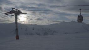 Tempo-lapso do elevador de esqui no gudauri Geórgia da estância de esqui filme