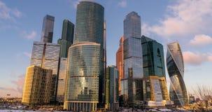 Tempo-lapso dos arranha-céus da cidade de Moscou do centro de negócios vídeos de arquivo