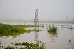 Tempo nebbioso di mattina sopra il villaggio di galleggiamento Immagine Stock Libera da Diritti