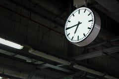 Tempo nella stazione Immagini Stock Libere da Diritti