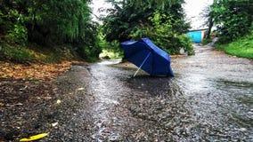 Tempo piovoso e la cittadina Fotografie Stock