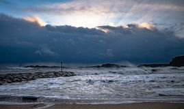 Tempo tempestoso alla spiaggia di Sjøsanden in Mandal, Norvegia Fotografia Stock Libera da Diritti