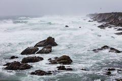 Tempo tempestoso e linea costiera di California a punto Reyes immagine stock libera da diritti