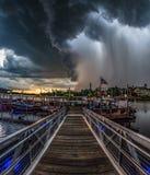 Temporal do Supercell com chuva e relâmpago em Orlando Florid foto de stock