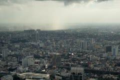 Temporale di monsone sopra Bangkok - cielo nebbioso Fotografia Stock Libera da Diritti
