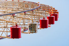 Tempozan rojo Ferris Wheel Fotos de archivo