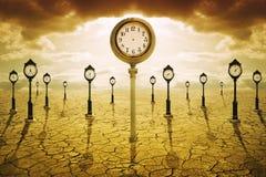 Temps après concept de la mort Horloge sans des mains image stock