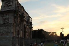 Temps concret de coucher du soleil de lieu de culte image libre de droits