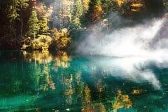 Temps d'automne au blausee de lac de forêt Images libres de droits