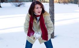 Temps de combat de boule de neige photo stock