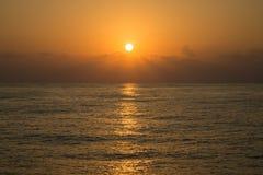 Temps de coucher du soleil et de lever de soleil, fond de nature et secteur vide pour le texte, amour se sentant ou fond romantiq Photo stock
