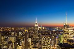 Temps de coucher du soleil de New York City photo stock