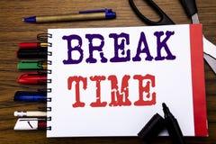 Temps de coupure d'apparence des textes d'annonce d'écriture Concept d'affaires pour la pause d'arrêt de l'atelier de travail écr image stock