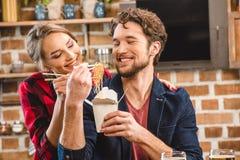 Temps de dépense de couples ensemble Photos stock