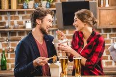 Temps de dépense de couples ensemble Images stock