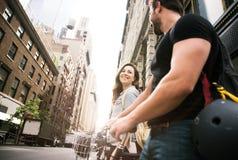 Temps de dépense de couples ensemble Images libres de droits