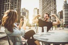 Temps de dépense de couples ensemble Photo stock