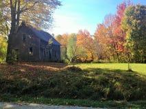 Temps de grange en automne Images stock