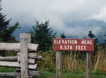 Temps de montagne à l'altitude photo libre de droits