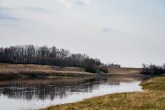 Temps de Musa de rivière au printemps lithuania Photos stock