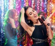 Temps de partie dans la chanson de withg de karaoke Image libre de droits