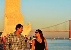 Temps de récréation au coucher du soleil le long du Tage, Lisbonne Images libres de droits