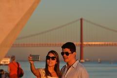 Temps de récréation au coucher du soleil le long du Tage, Lisbonne Photographie stock