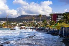 Temps de tempête sur la plage Images libres de droits