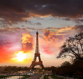 Temps de Tour Eiffel au printemps, Paris, France Photo stock