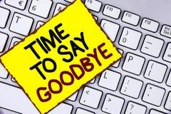 Temps des textes d'écriture de dire au revoir E image stock