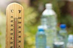 Temps et eau chauds Photos stock