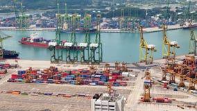 Temps-faute de port de récipient de Singapour Casserole  banque de vidéos