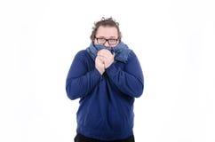 Temps froid, le vent Le type dans l'écharpe Photo stock