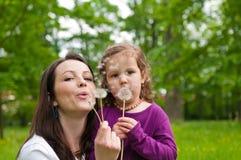 Temps heureux de durée - mère avec l'enfant Photographie stock