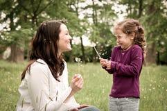 Temps heureux de durée - mère avec l'enfant Images libres de droits