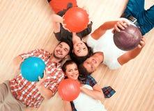 Temps libre dans le club de bowling Image libre de droits