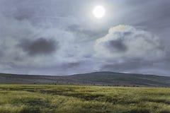 Temps orageux aux montagnes Images libres de droits
