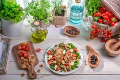 Temps préparé de salade de César au printemps Photos libres de droits