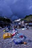 Tempête brassant au-dessus du village de pêche de bière Images libres de droits