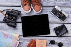 Tems del viaje y de las vacaciones en la tabla de madera Fotografía de archivo