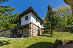 TEMSKI-KLOOSTER, SERVIË - 16 APRIL 2016: Mening van Temski-klooster St George, Pirot-Gebied, Servië Royalty-vrije Stock Foto's