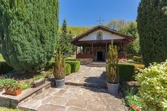 TEMSKI-KLOSTER, SERBIEN - 16. APRIL 2016: Ansicht von Temski-Kloster St George, Pirot-Region, Serbien Lizenzfreies Stockbild