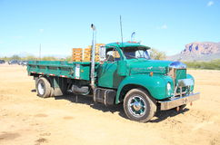Klasyczna amerykanin ciężarówka: Mack B-61 (1961) Fotografia Royalty Free